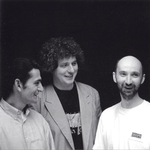 dés Trio+Stendhal+TS_Earthsound_booklet1.jpg
