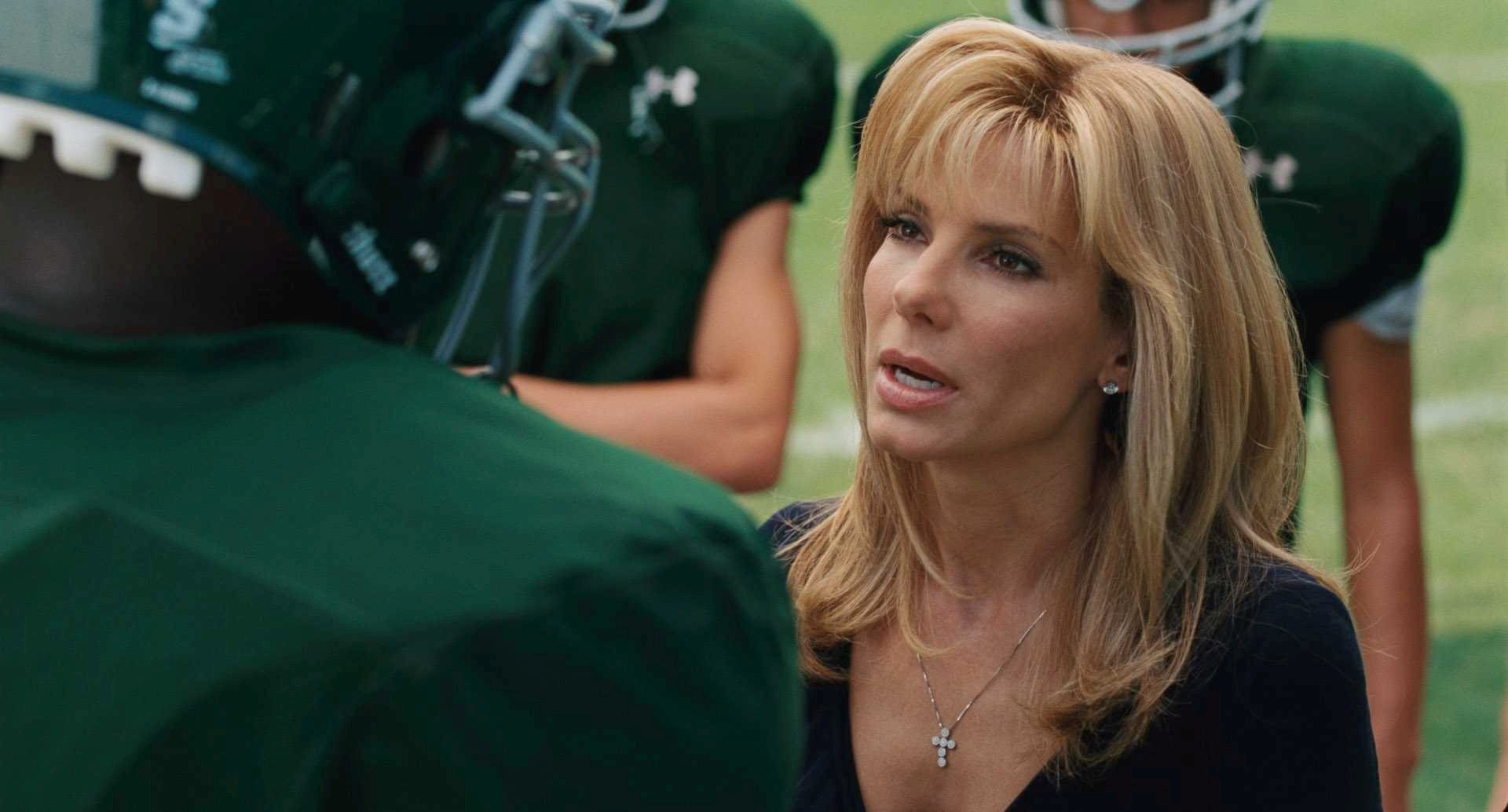 sandra_bullock_in_movie_the_blind_side_wallpaper.jpg