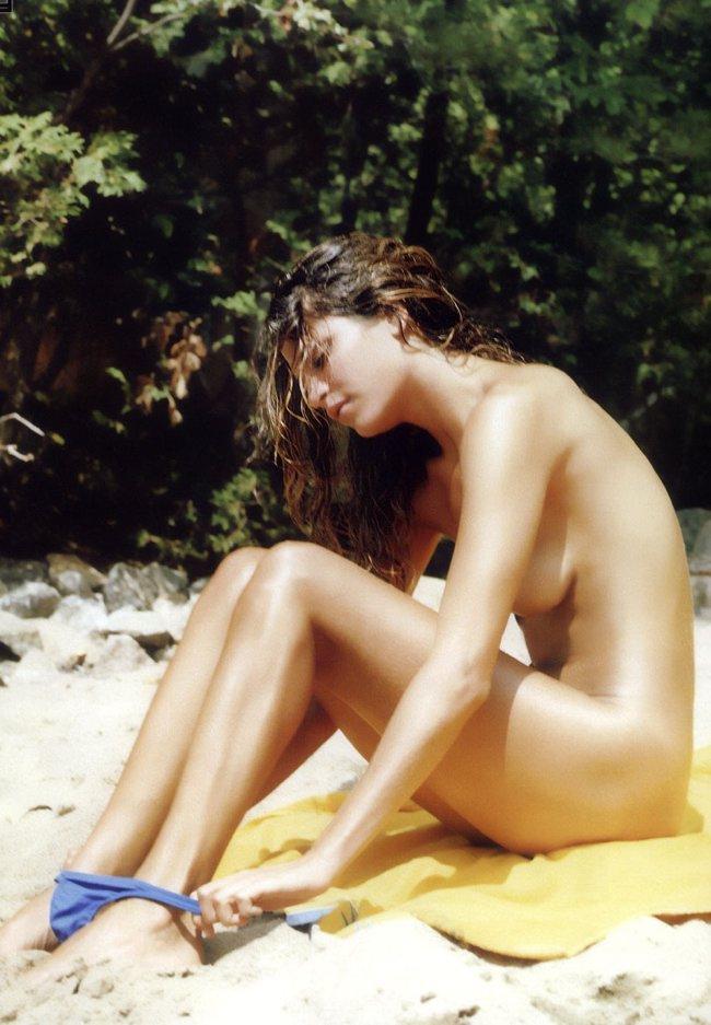 naked_frankierayder_650.jpg