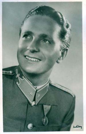 szilassy_laszlo_uniformis.jpg