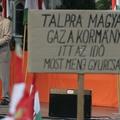 1294 ember buktatná meg az Orbán-rezsimet?