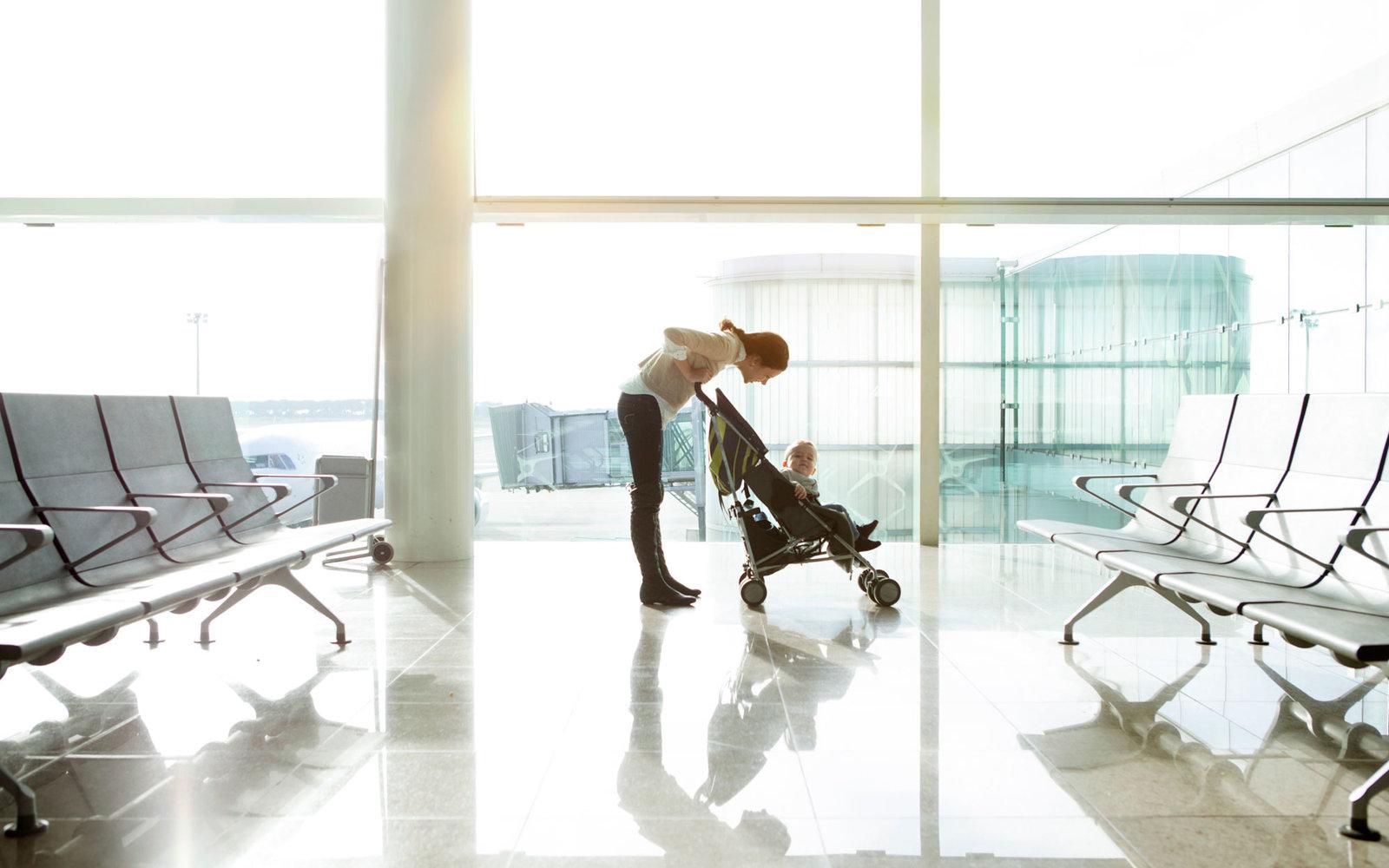 airport-baby-parenting0316.jpg