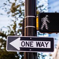 Az ellenkező irányba!