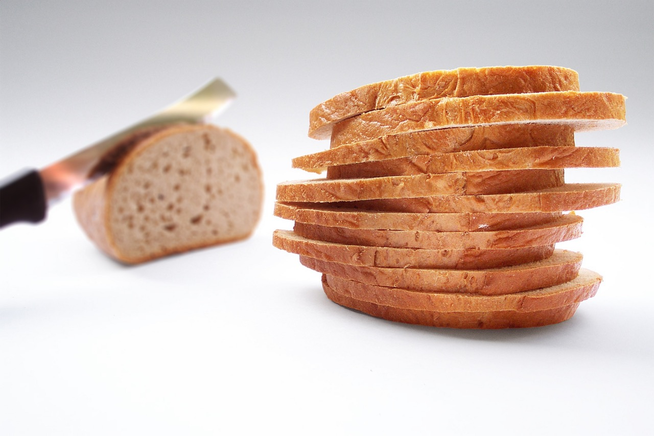 bread-slice-of-bread-knife-cut-46155.jpg