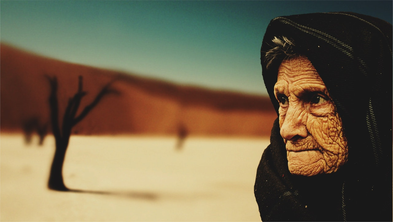 old-woman-desert-old-age-bedouin-40509.jpeg