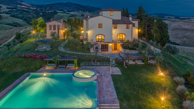 picking_the_perfect_holiday_accommodation_in_tuscany.png