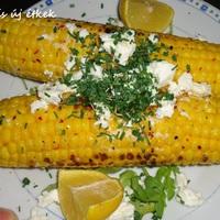Pikáns grillezett kukorica friss zöldségekkel