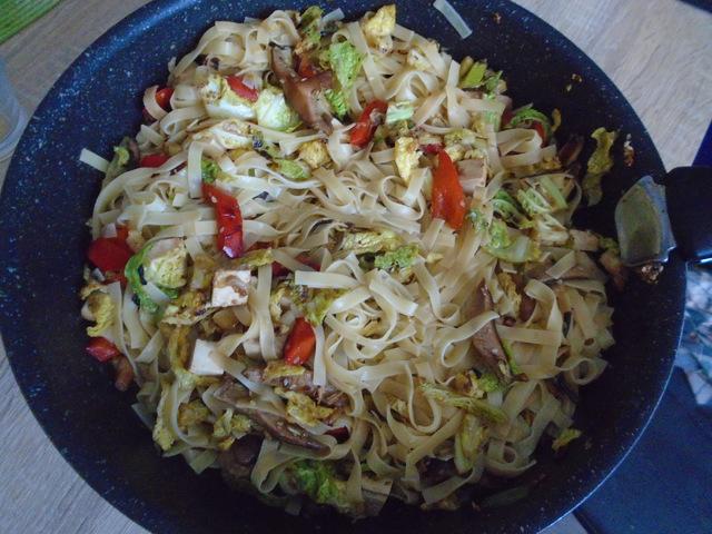 Zöldséges- tofus kínai tészta