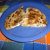 Quesadillas házi teljes kiőrlésű tortillában