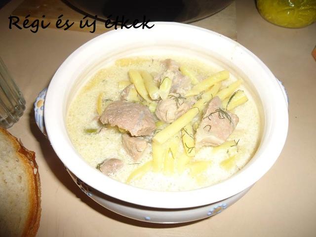 Bográcsos zöldbabos sertésragu