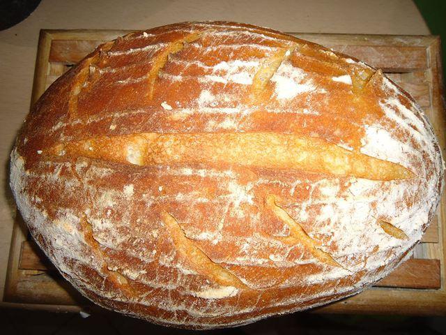 Süss te is kovászos kenyeret