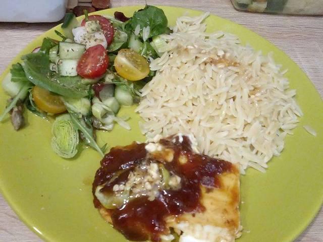 Orso tészta salátával és pikáns feta sajttal
