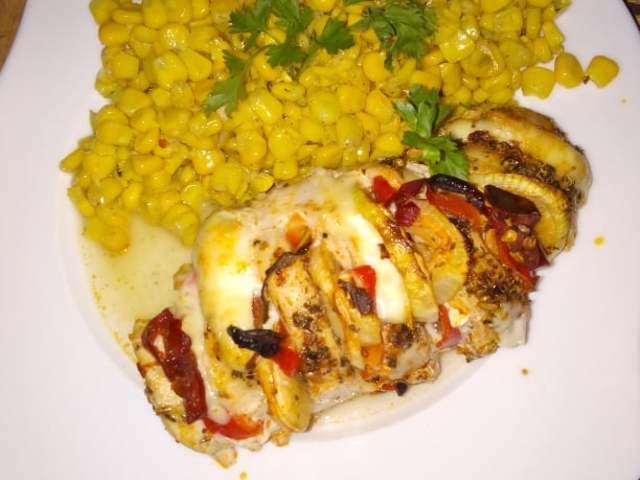 Mexikói csirkemell Hasselback módra párolt kukoricával 4 adag