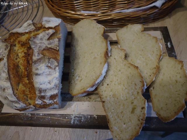 Kovászos fehér kenyér íróval