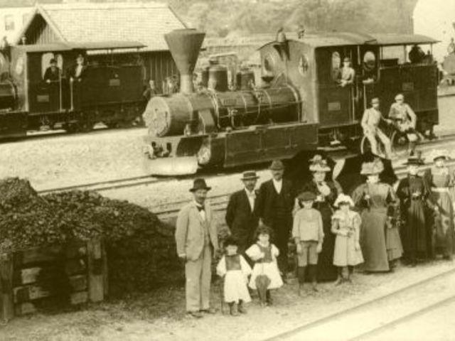 """Miért épült Üszögön az első """"pécsi"""" vasútállomás?"""
