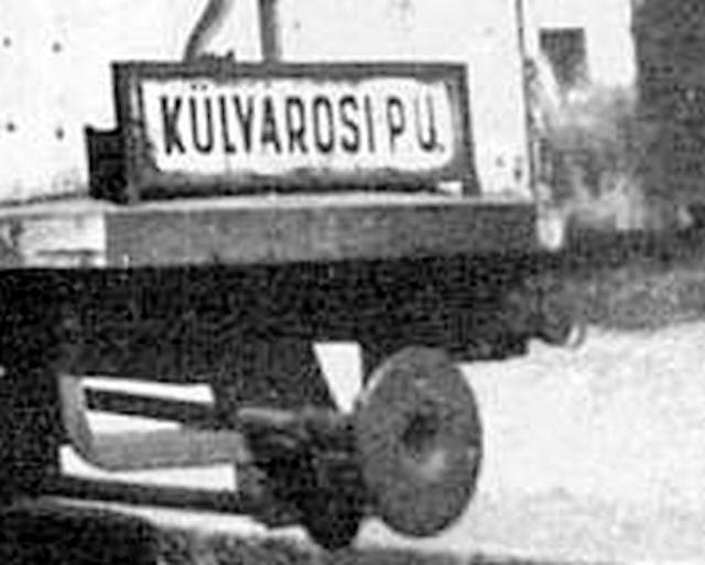 01_kulvarosi_palyaudvar_tabla.jpg