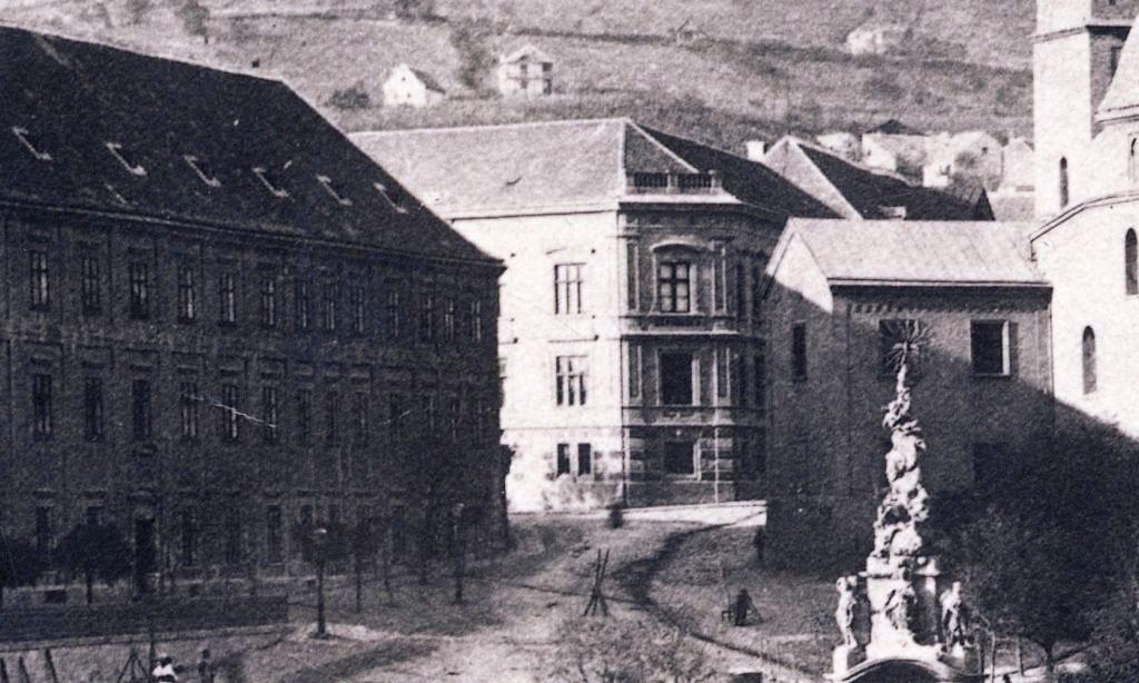 10_1890_k_szechenyi_ter_ciszterci_rend_epulete_nincs_eszaki_szarny_elemi_nepiskola.jpg