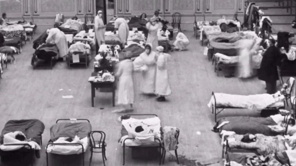 1918_10_06_pecsinaplo_az_epuletben_a_spanyol_jarvany_betegei_fekusznek.jpg