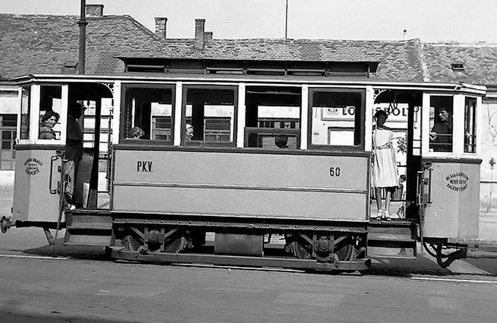 1950-s_villamos_buza_ter_nagy_zsolt_levente_gyujtemenyebol_cut.jpg