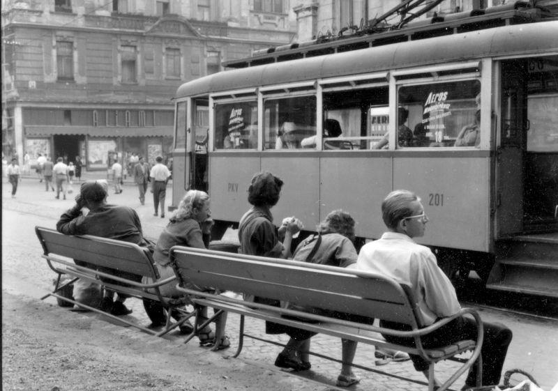 26_kep_szechenyi_ter_villamos_megallo_allami_aruhaz_1959.jpg