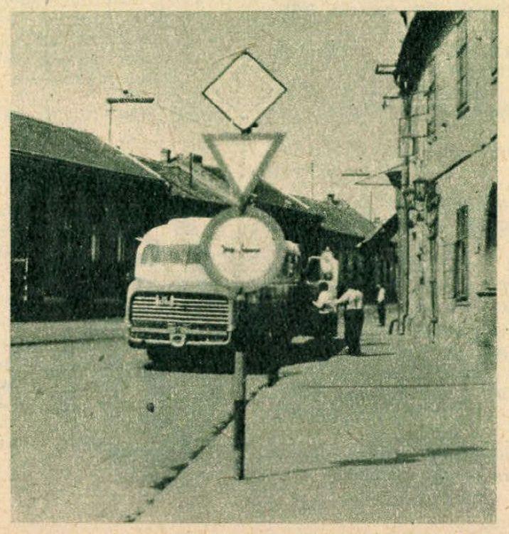 kep_automotor_1964_korhaz_ter_szaz_eves_borozo.jpg