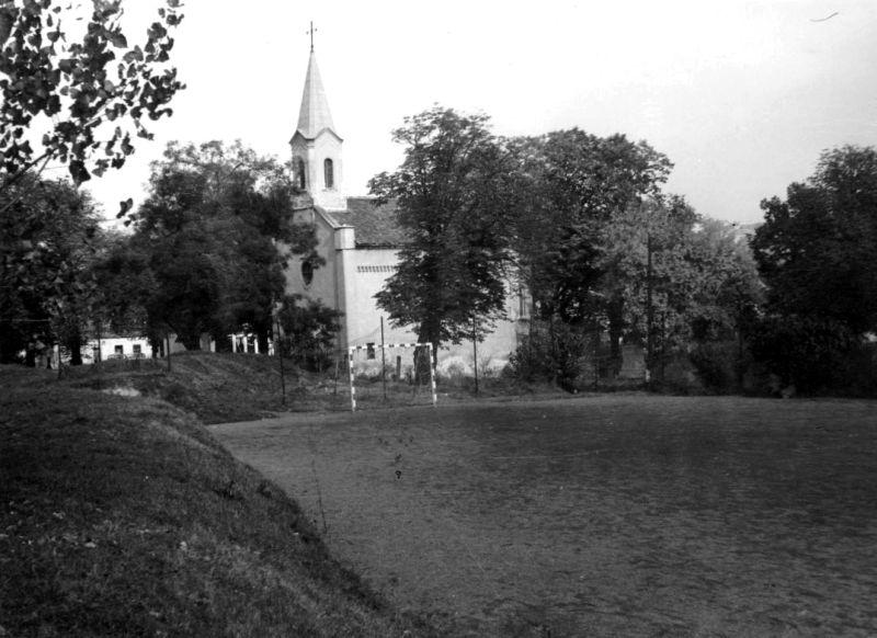 A Budai külvárosi temetőkápolna margójára