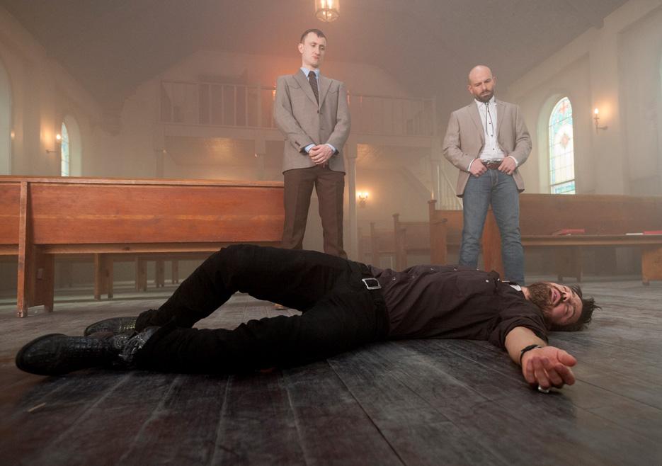 preacher-episode-101-fiore-tom-brooke-jesse-dominic-cooper-church-935.jpg