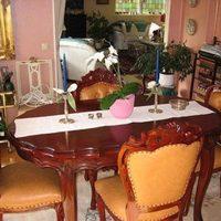 Eladó antik asztal
