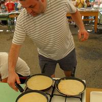 Ismét palacsinta-rekord: 48 sütővel egyszerre