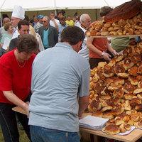 Rengeteg pogácsa egy helyen: A bogácsi pogácsahalom