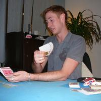 Kártyatrükkök 27 órán át