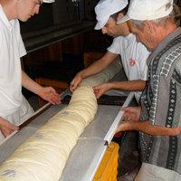 Tovább nőtt az óriás kenyér