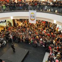 600 bohóc egyszerre egy színpadon