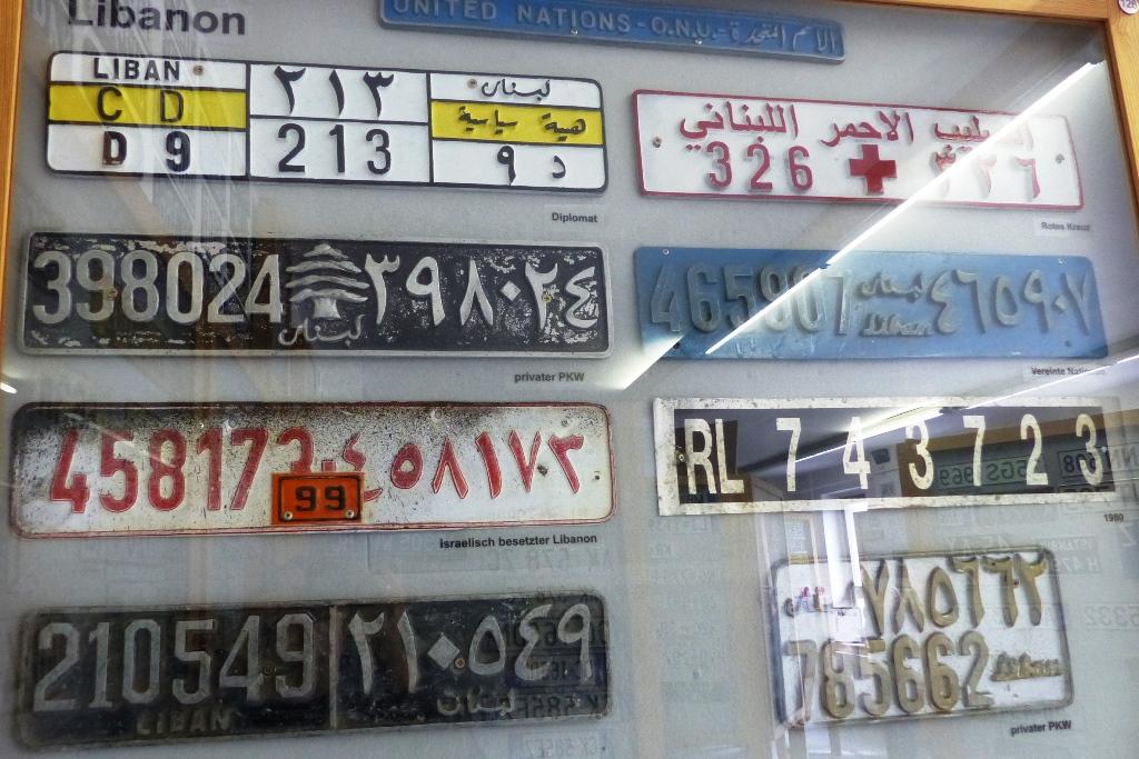 Libanon, vastag öntött rendszámai