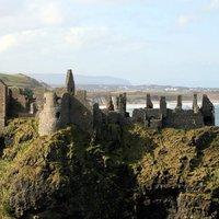 Dunluce kastély és a tengerbe zuhant konyha története