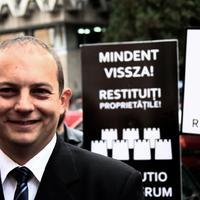 Levéltárak visszaszolgáltatásáért tüntettek Kolozsváron