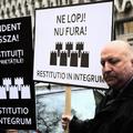Mindent vissza! Levéltárak visszaszolgáltatásáért tüntettek Kolozsváron
