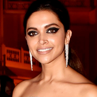Ez a színésznő aztán tud sminkelni! Imádni való, ahogy a színekkel bánik
