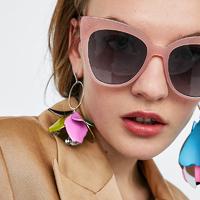 Ezekre a napszemüvegekre nem mondhatsz nemet idén: mutatjuk a legdivatosabb fazonokat