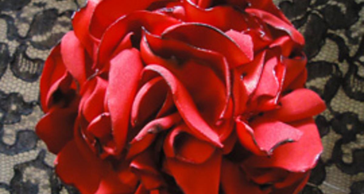 Hajba való virág: itt vedd meg, vagy készítsd el magad!