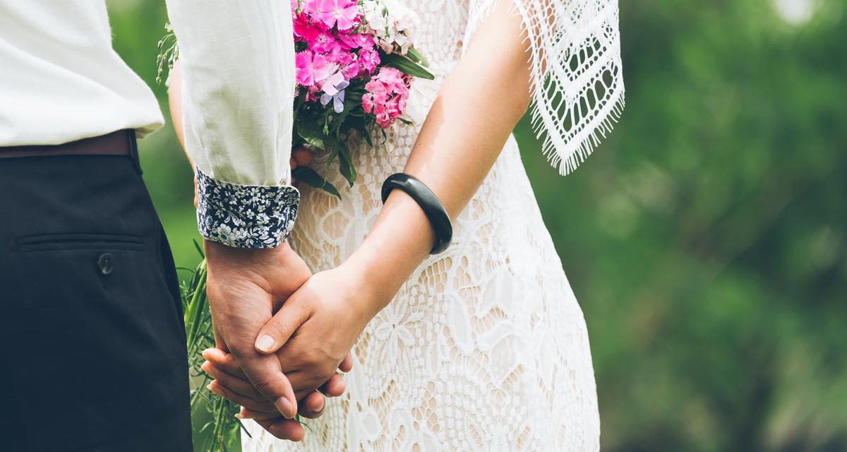 Könnyű, nyári menyasszonyi ruhák: egyszerűek, de álomszépek