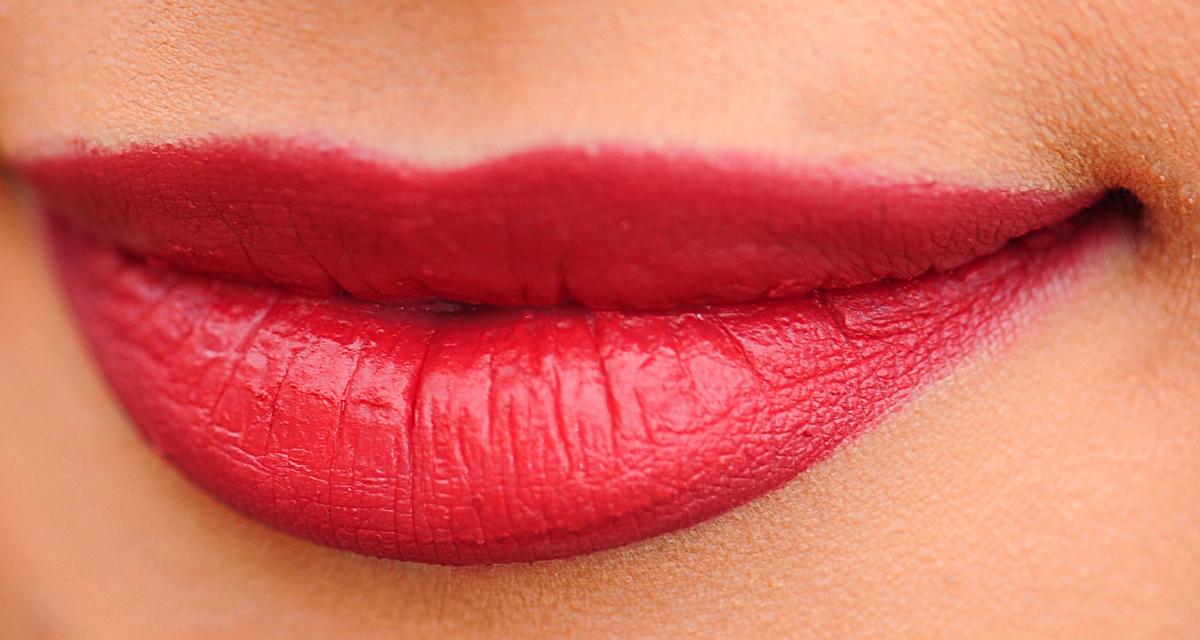 Ne a hajadhoz, a bőröd színéhez válassz vörös rúzst: megmutatjuk, melyik illik hozzád