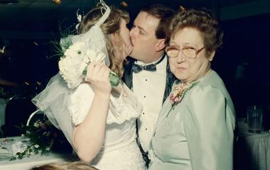 A legrosszabb esküvői képek, amiket valaha láttunk: a fotós remekelni akart, de nem jött össze