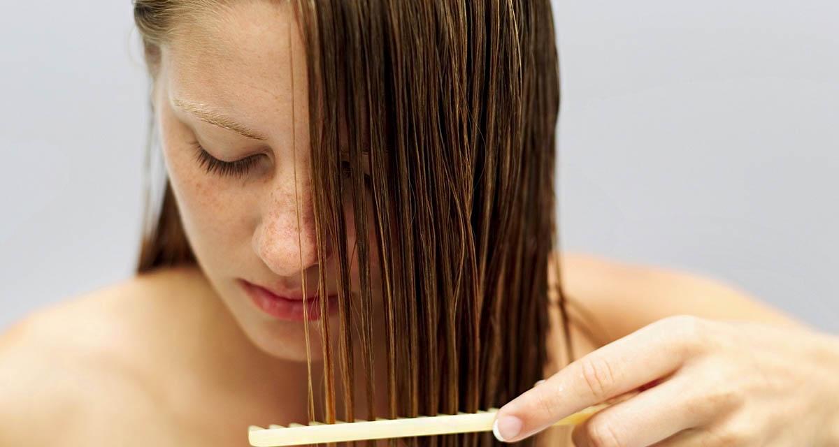 Mindennap 100-szor: egy nő kipróbálta a régi fésülködős módszert