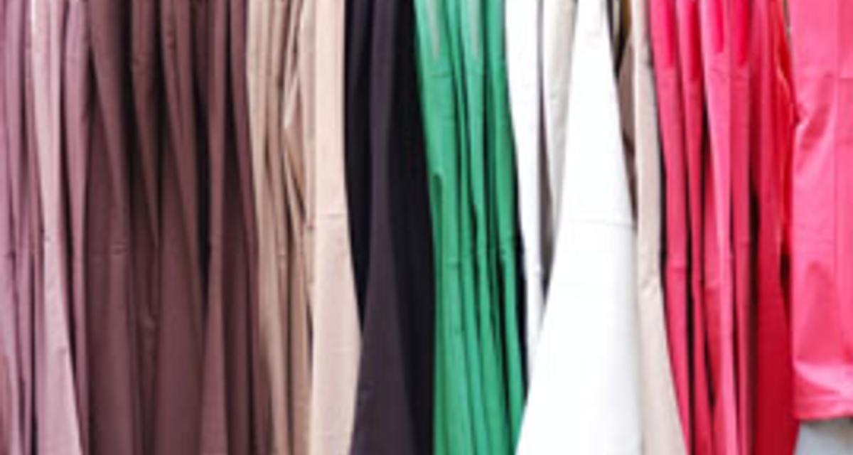 Képeken a 20 legtrendibb színes nadrág tavaszra - Boltlistával és árakkal