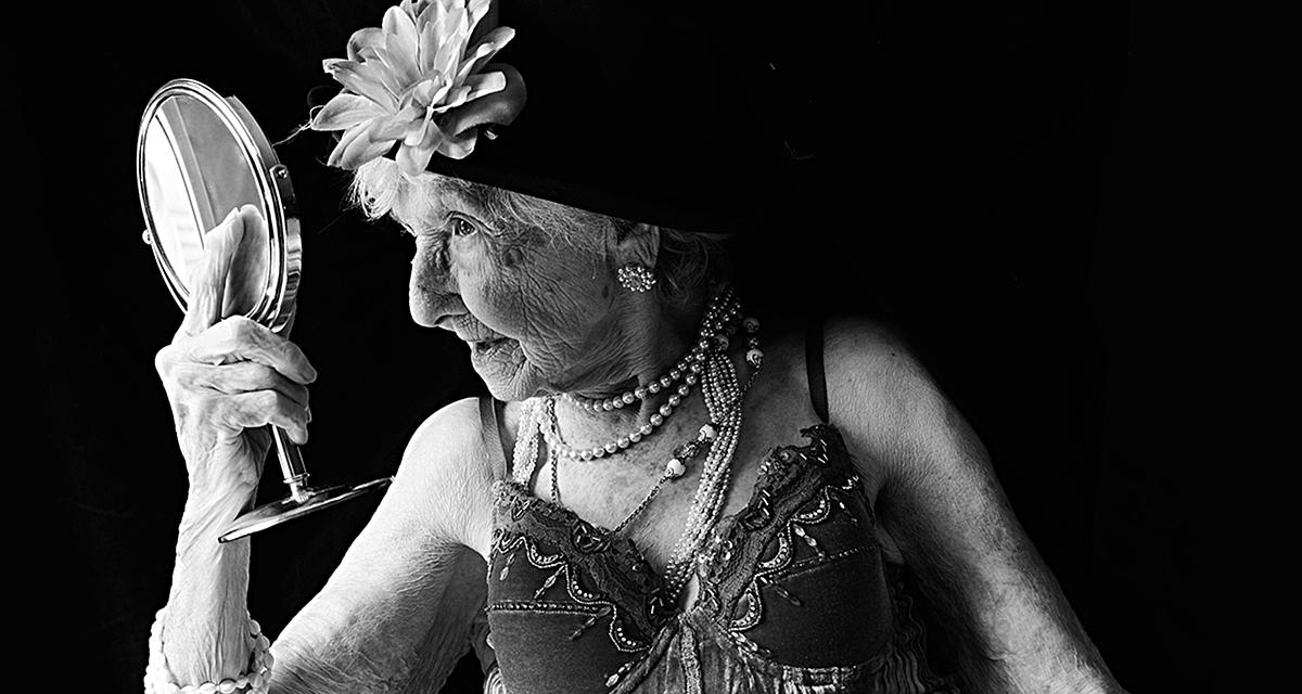 Gyönyörű fotókon a 100 éves nénik: így vélekednek a szépségről