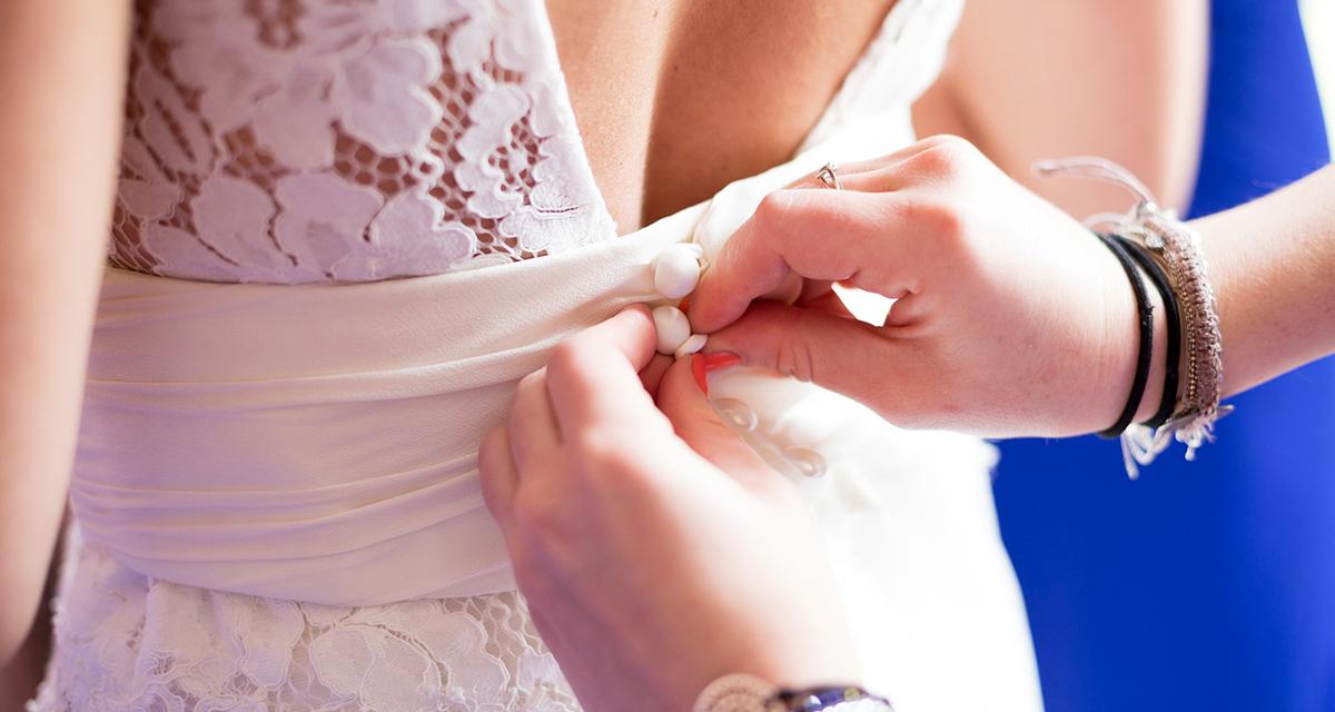 Feszesítő torna menyasszonyoknak: így lesz szexi a hátad és a karod a kivágott ruhában