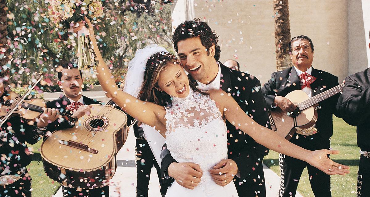 Hízókúra, fogreszelés és még 9 másik meghökkentő esküvői szokás a nagyvilágból