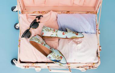 12 apró trükk utazáshoz, amivel kétszer annyi holmi fér a bőröndbe