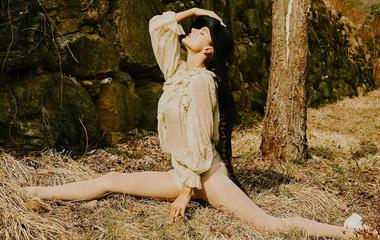 Alessandra Ambrosio ilyen hajlékony: a 37 éves modell csúcsformában van
